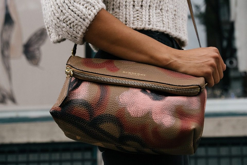 10 Essential Tricks to Clean your Leather Bag